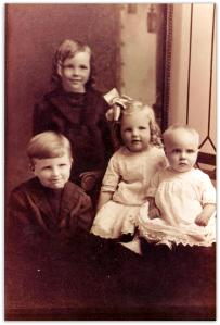 Grace Mulcahy and siblings, 1916
